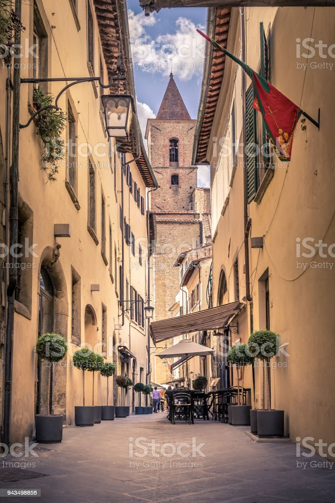 Beautiful street of Arezzo, Tuscany - foto stock