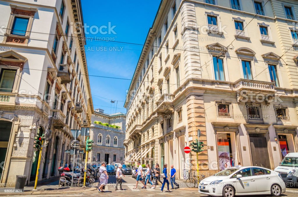 MILAN, ITALY, 19 JUNE 2017: Beautiful street with ancient buildings in the center of Milan, Italy - foto stock