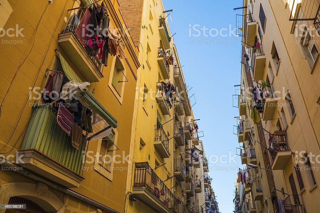 Hermoso entorno en las calles de Barcelona de la Barceloneta - foto de stock