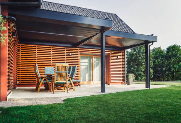 Hermosa casa familiar suburbana - foto de stock