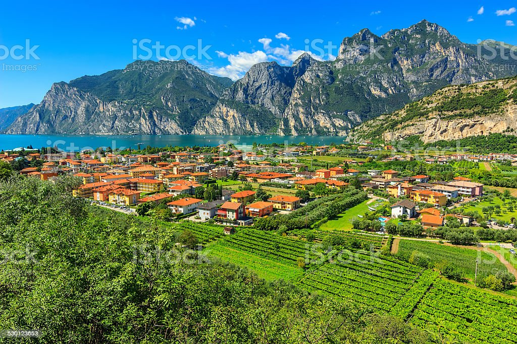 Wunderschöner sonniger Tag am Gardasee, Torbole.Italy, Europa – Foto
