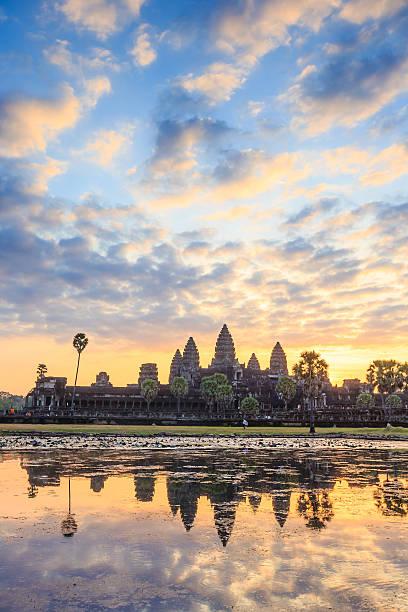 Wunderschönen Sonnenaufgang am Ankor Wat, Siem Reap – Foto