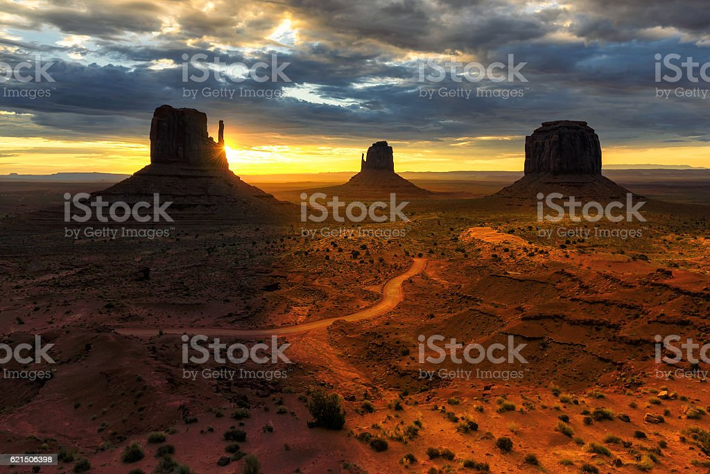 Beautiful sunrise at Monument Valley, Arizona foto stock royalty-free