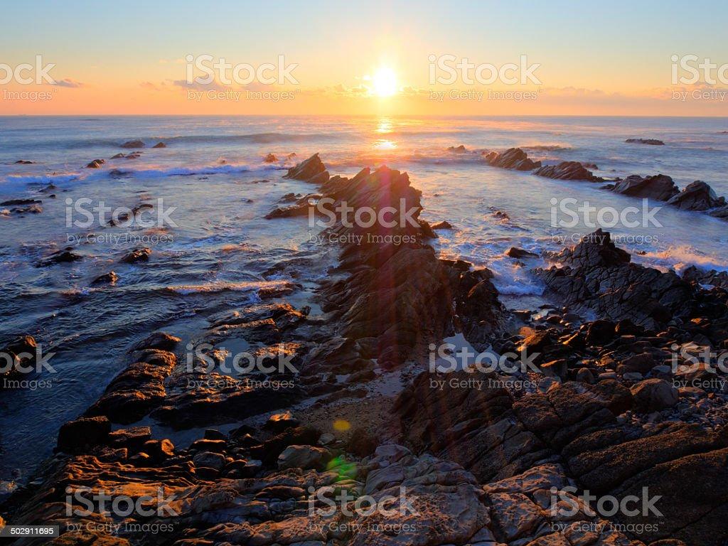 美しい日の出白亜紀堆積岩海岸線 - カラフルのロイヤリティフリーストックフォト