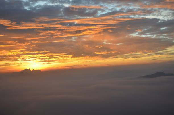 Belo nascer do sol - foto de acervo
