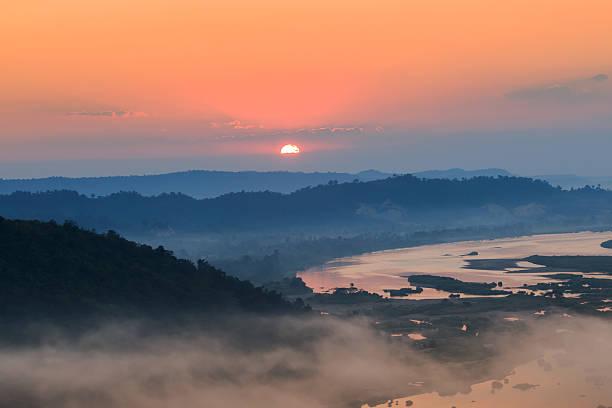 Wunderschönen Sonnenaufgang  – Foto