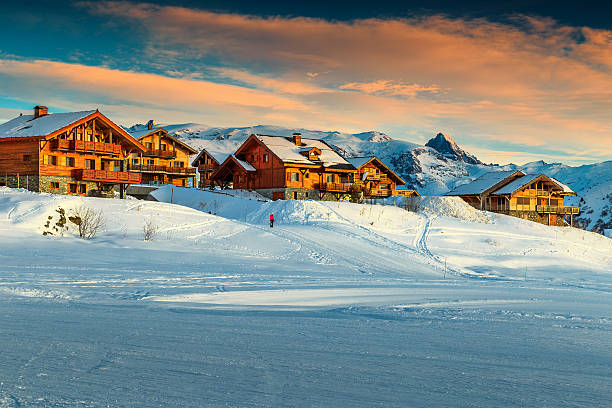 Beautiful sunset and ski resort in the french alpseurope picture id619062522?b=1&k=6&m=619062522&s=612x612&w=0&h=aeoppey1kjd10alzv lo tgjfvgs4c58hck2e6mx6gs=