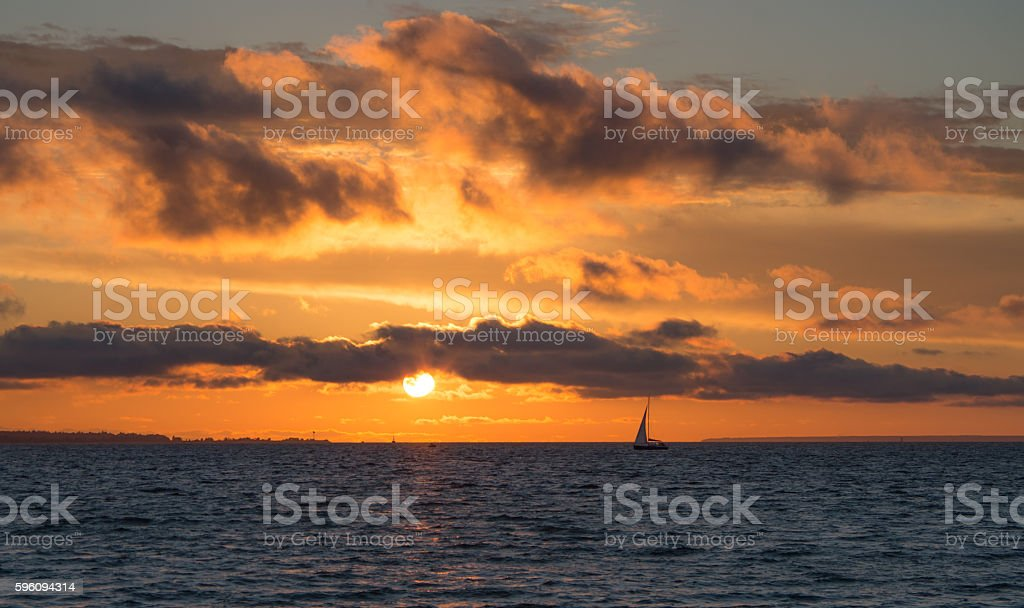 Beautiful Sunset in Tallinn on the Balticsea Lizenzfreies stock-foto