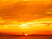 沖縄の美しい夕日