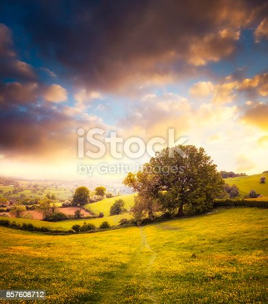 istock Beautiful Sunset Over A Landscape View In The Cotswolds, England 857608712