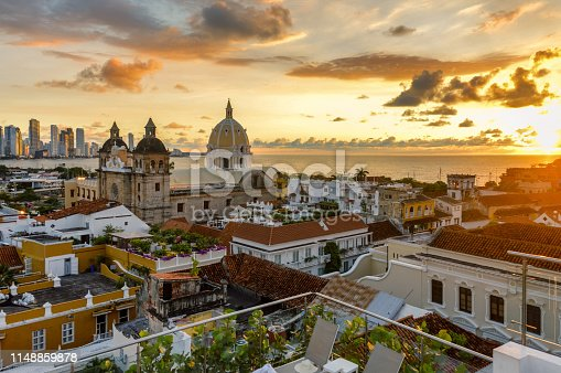 1148861090istockphoto Beautiful sunset over Cartagena, Colombia 1148859878