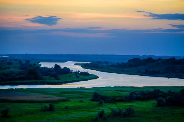 beautiful sunset over river bend - free images for downloads stock photos and pictures
