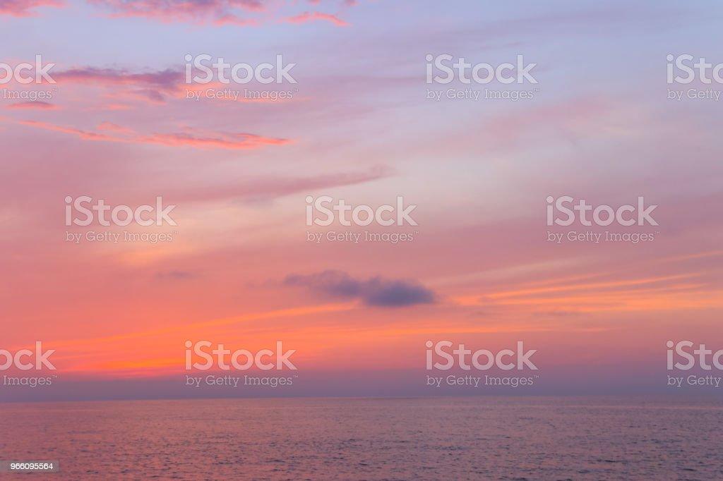 Vacker solnedgång över Svarta havet - Royaltyfri Beskrivande färg Bildbanksbilder