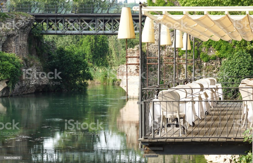 Beautiful terrace of a restaurant above the river - foto stock