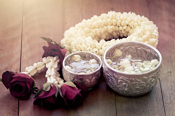 Beautiful thai garland flowers picture id472331870?b=1&k=6&m=472331870&s=612x612&w=0&h=m2pe6sjjv9xehdhu57edumm1hjrkqyt5truptao3vhs=