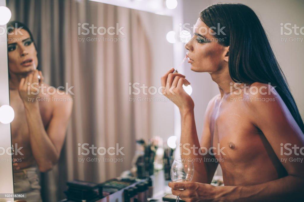 amateur-porno-schoener-fototransvestit-der-jungfraeulichen