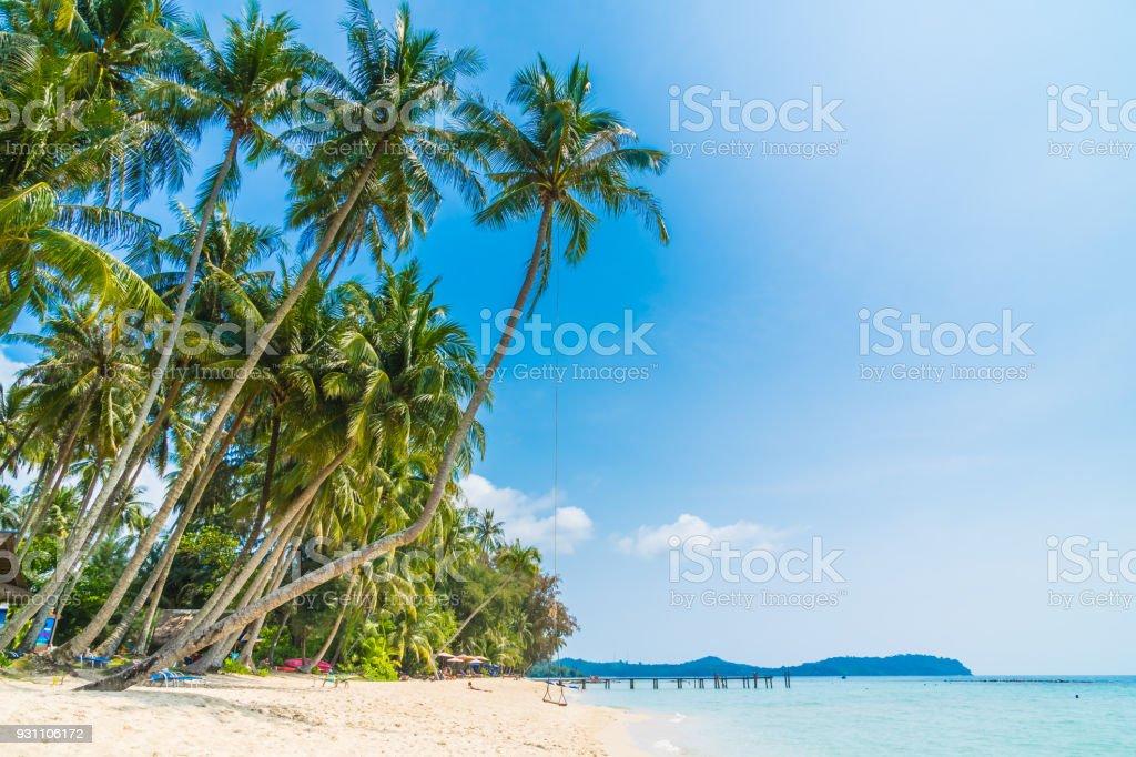Güzel tropikal plaj ve deniz - Royalty-free Ada Stok görsel