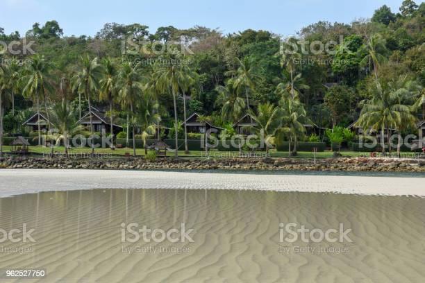 Foto de Bela Praia Tropical Na Ilha De Koh Kood Tailândia e mais fotos de stock de Areia
