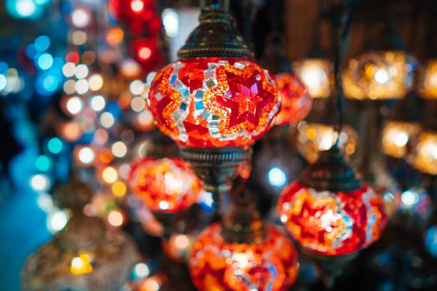 schöne türkische mosaik-lampen - türkische fliesen stock-fotos und bilder