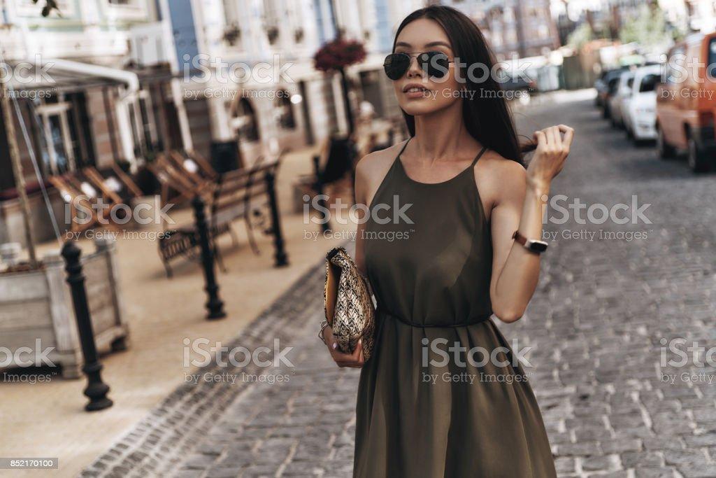 Schöne urbane Frau. – Foto