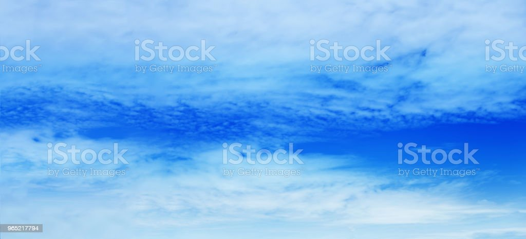 beautiful vast blue sky and clouds sky background zbiór zdjęć royalty-free