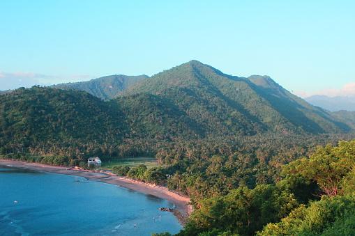 Vacker Utsikt På En Av Lombok Beach Indonesien-foton och fler bilder på Fotografi - Bild