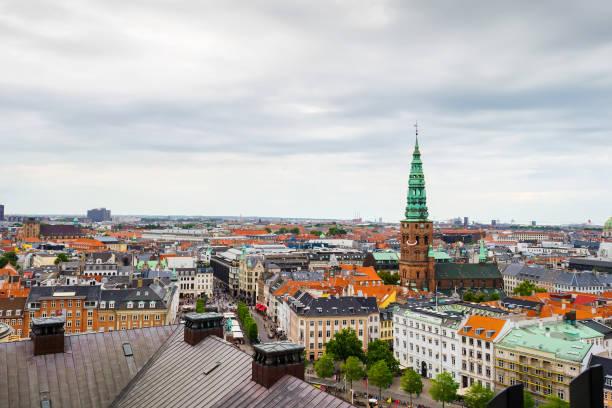 vacker vy från ovan på arkitektur i köpenhamn. - drone copenhagen bildbanksfoton och bilder