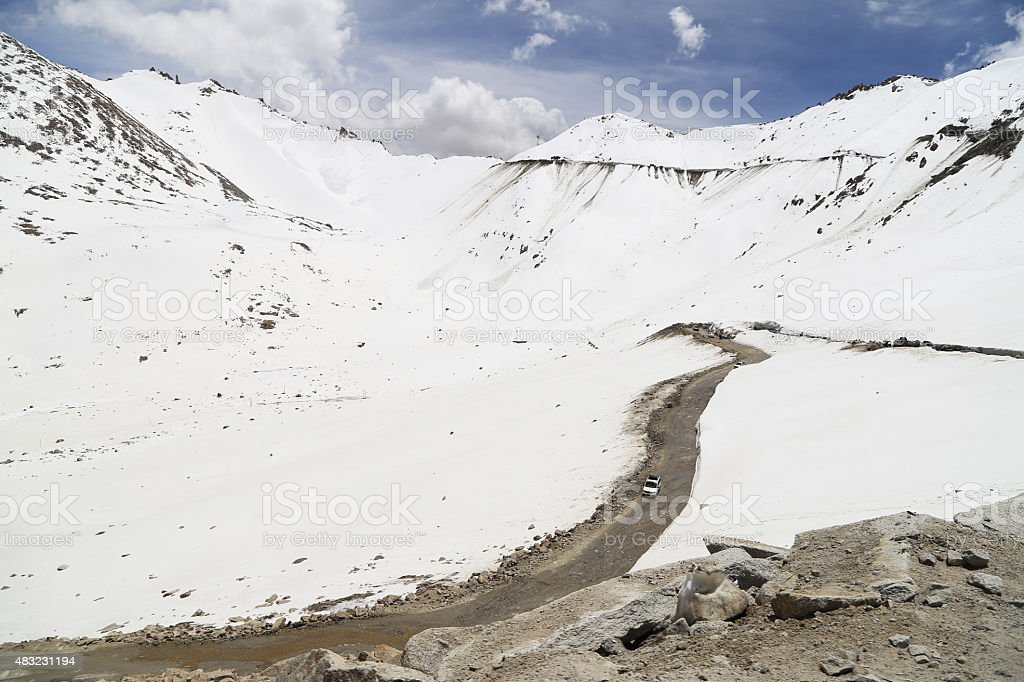 Beautiful view of Khardung La Pass-Leh road on mountain stock photo