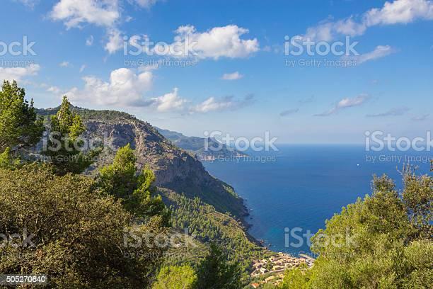 Beautiful view of sierra de tramuntana mallorca spain picture id505270840?b=1&k=6&m=505270840&s=612x612&h=mzee6aw0j w5 bwca18frttntw95twifzvqh1yvox2m=
