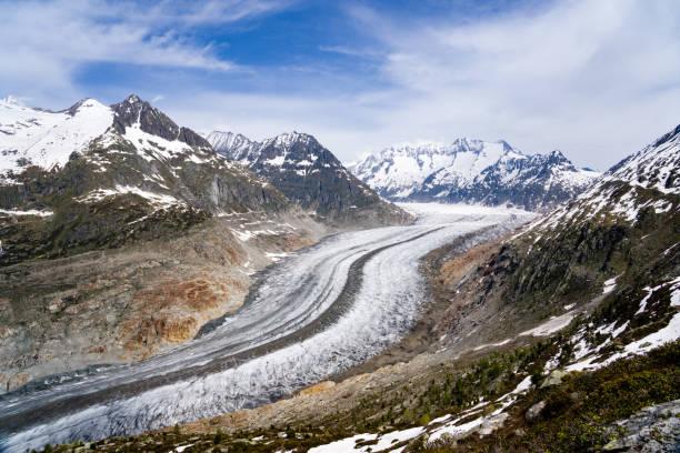 beautiful view of the aletsch glacier in switzerland - moraine стоковые фото и изображения