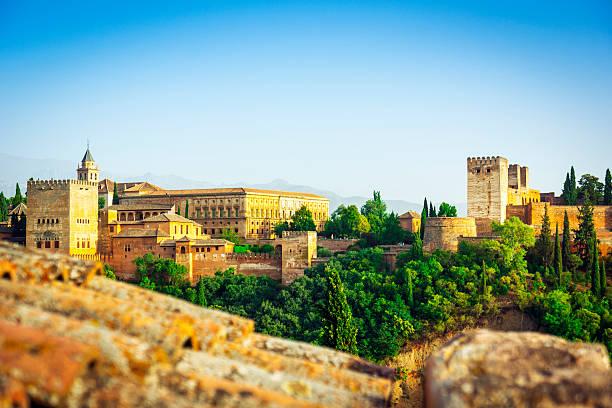 美しい眺めのアルハンブラ、スペイン - スペイン グラナダ ストックフォトと画像