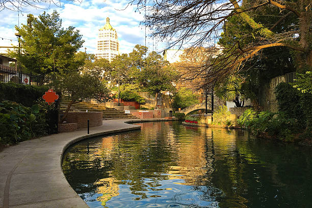 Beautiful view of the San Antonio Riverwalk Beautiful view of the San Antonio Riverwalk san antonio texas stock pictures, royalty-free photos & images