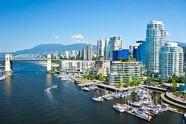 beautiful view of vancouver, british columbia, canada - vancouver canada stockfoto's en -beelden
