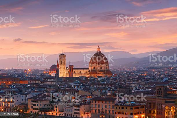 Beautiful views of florence cityscape in the background cathedra picture id621590944?b=1&k=6&m=621590944&s=612x612&h=yeytyxupmul3yr5gc4f0a63uwhnwf9bho2je3bfjnoq=