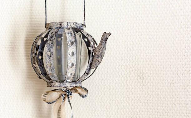 Schöne Vintage Lampe in Form einer Teekanne – Foto
