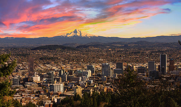 Beautiful Vista of Portland, Oregon Sunrise View of Portland, Oregon from Pittock Mansion. mt hood stock pictures, royalty-free photos & images