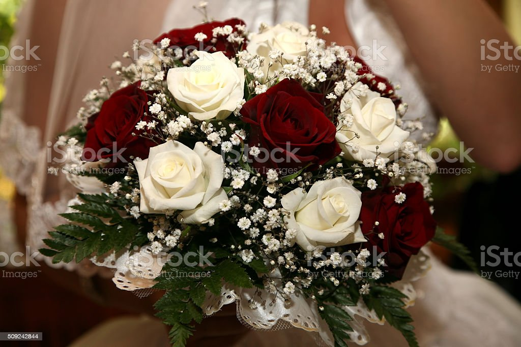 Bouquet Sposa Rose Bianche E Rosse.Bellissimo Bouquet Da Sposa Di Rose Bianche E Rosse Fotografie