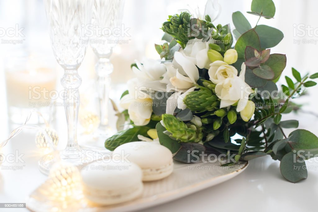 Beautiful Wedding Decoration With Champagne And Flowers Elegant