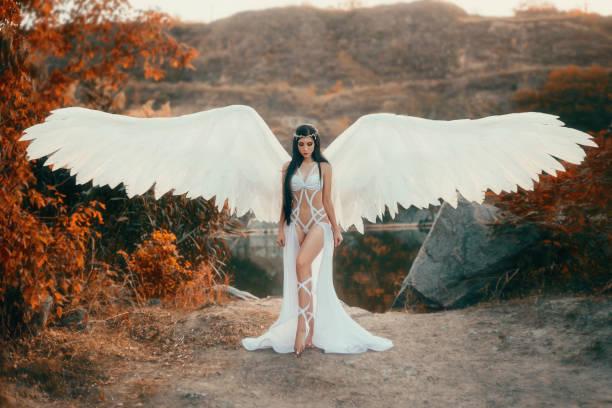 A beautiful white archangel – zdjęcie
