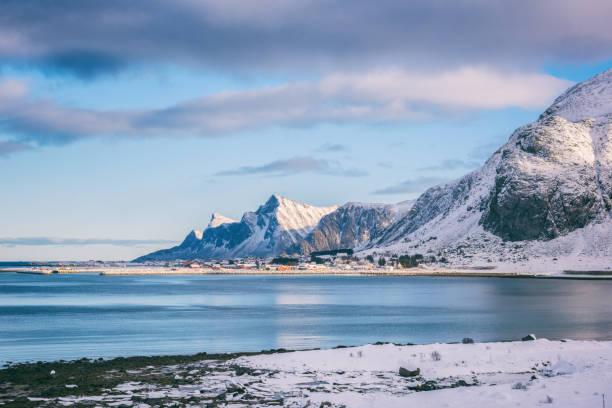 Tagsüber Winterlandschaft in Lofoten Inseln, Norwegen – Foto
