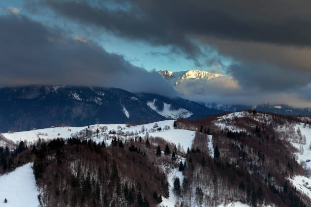 Beautiful winter sunset, in Bucegi mountains – Foto