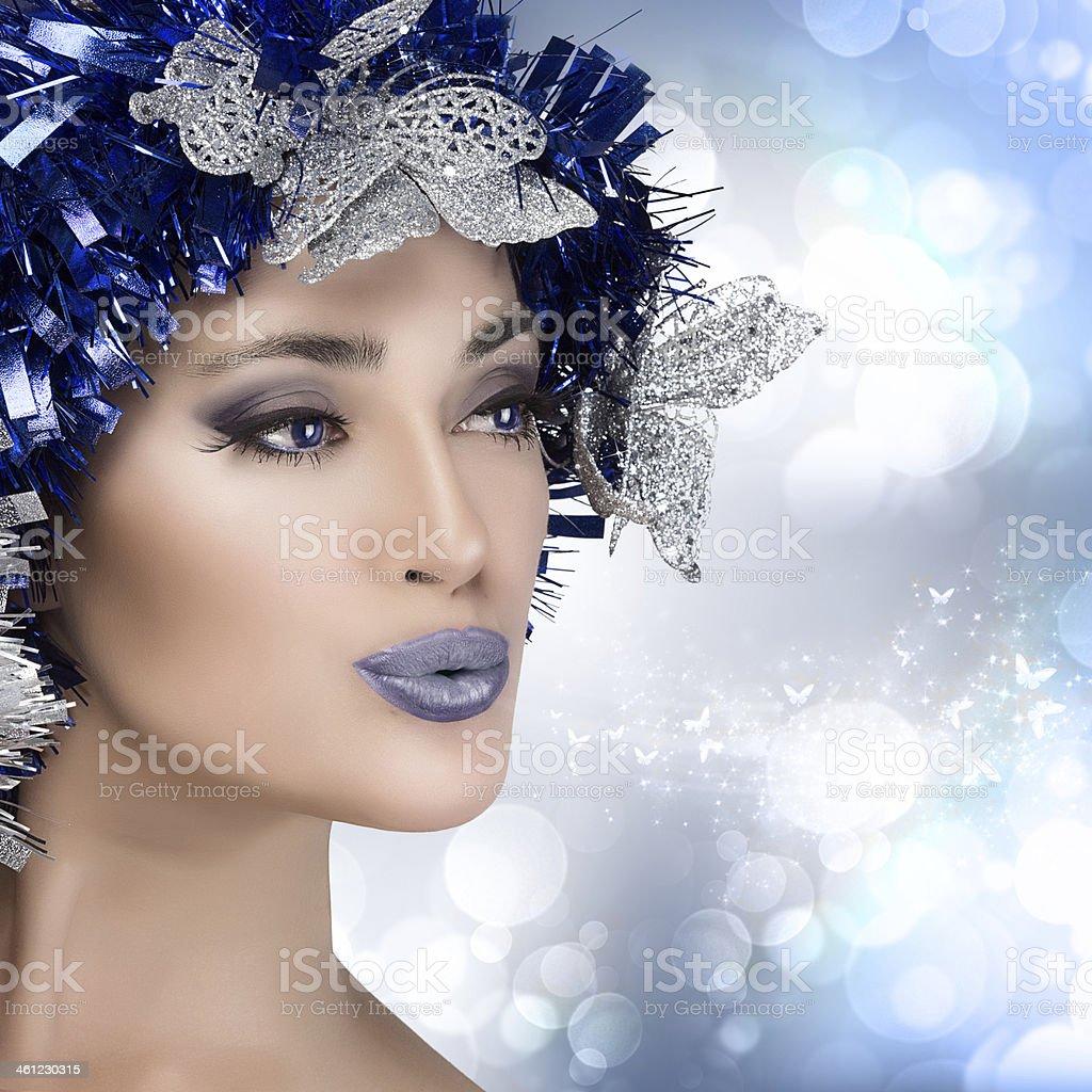 Inverno Linda mulher de retrato com penteado de Carnaval.  Modelo de estilo de Vogue - foto de acervo