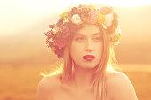 美しい彼女の花の冠