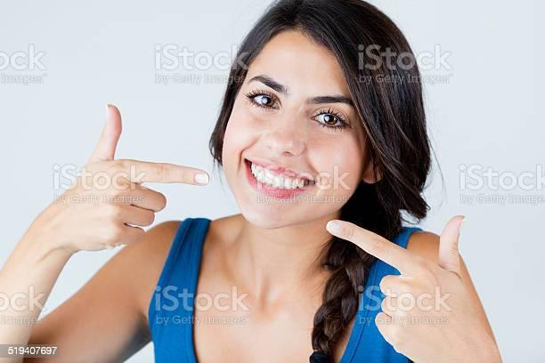 Schönes Lächeln Mit Perfekten Isoliert Auf Weiß Stockfoto und mehr Bilder von Attraktive Frau
