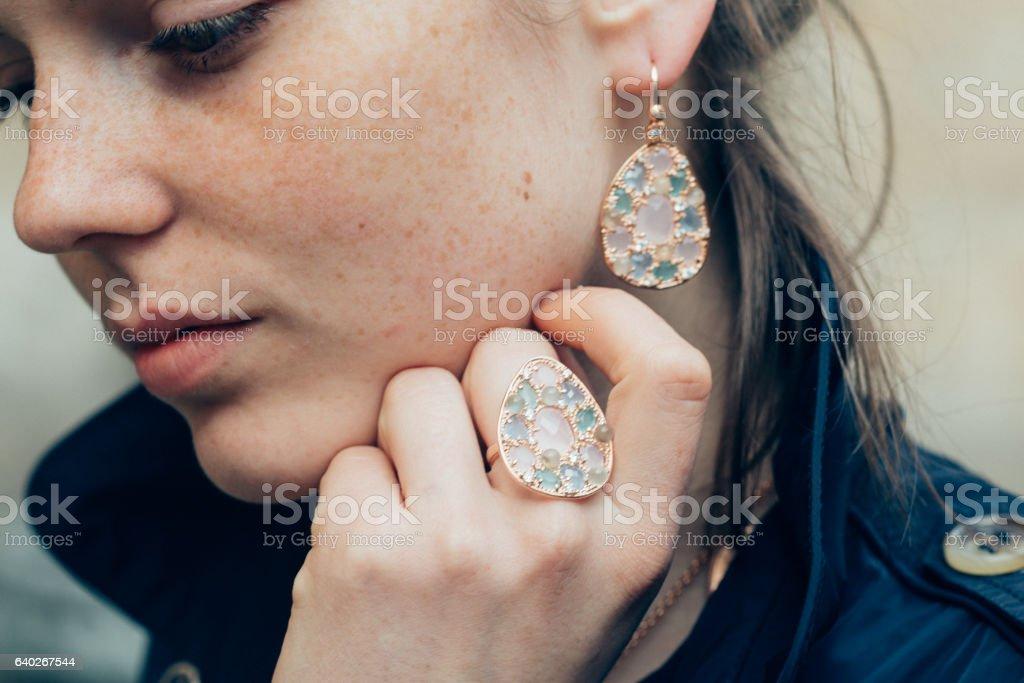 Beautiful woman face portrait freckles street city fashion - foto de acervo