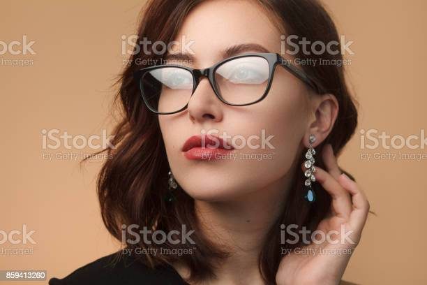 Beautiful woman in black rimmed spectacles picture id859413260?b=1&k=6&m=859413260&s=612x612&h=afwo4qeyhzxcdwerenkor3m4i7nonvmd8skhx4tiwjg=