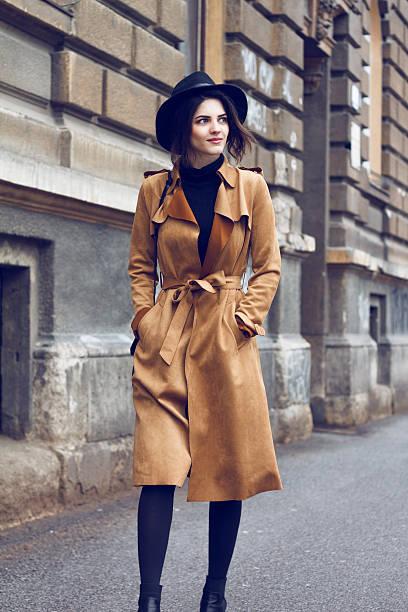 Bella donna in cappotto - foto stock
