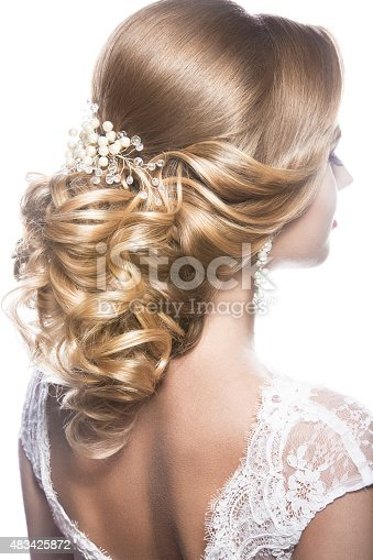 istock Beautiful  woman in image of the bride. Beauty hair. Hairstyle 483425872
