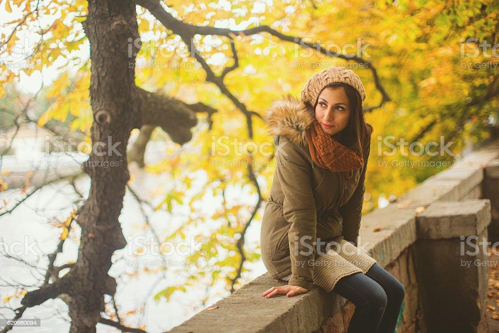 Beautiful woman in park in Prague foto royalty-free