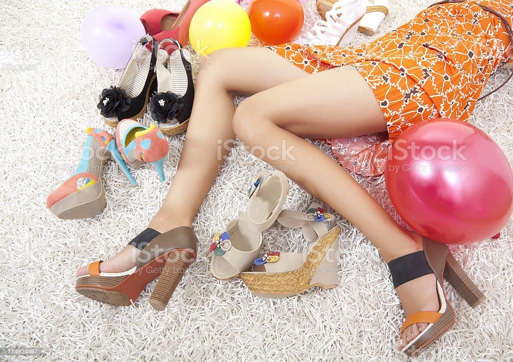 Linda mulher pernas com calçados - foto de acervo